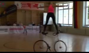 Велосипедистка 80 уровня