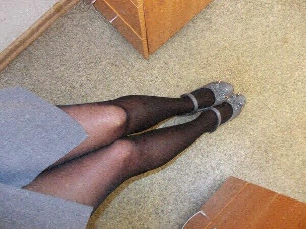 ножки в офисе